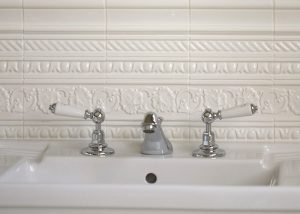 Period Embossed Sink Surround Tiles